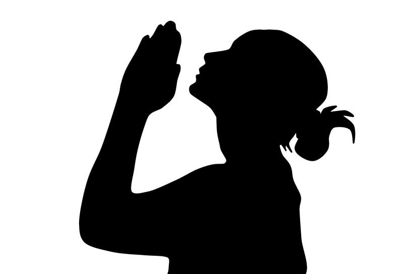 woman-praying-1935186_1920